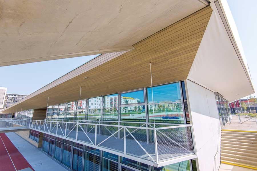 Das gesamte Bundesschulzentrum zeichnet sich durch ein innovatives Raumkonzept und nachhaltige Architektur - vorwiegend aus Holz - aus. | (c) heholz/big