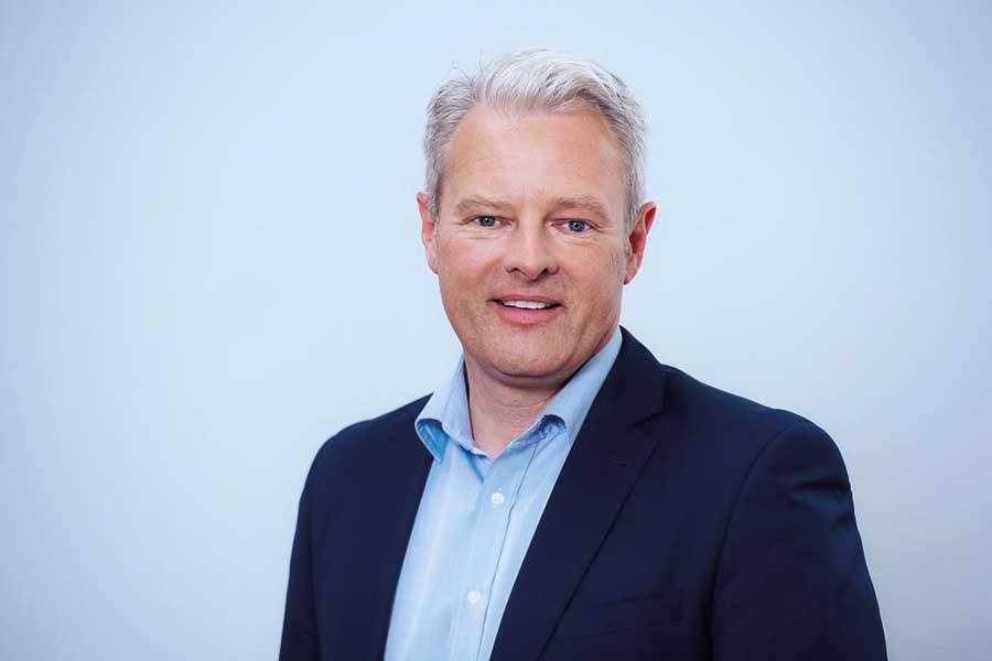 """Projektleiter Robert Schuster: Wir planen die DACH+HOLZ International komplett neu auf. So werden 2020 sechs statt fünf Hallen in Stuttgart belegt. Dabei achten wir auf eine besucherorientierte gemischte Aufplanung, die den Erlebnischarakter der Messe stärkt."""" © GHM"""